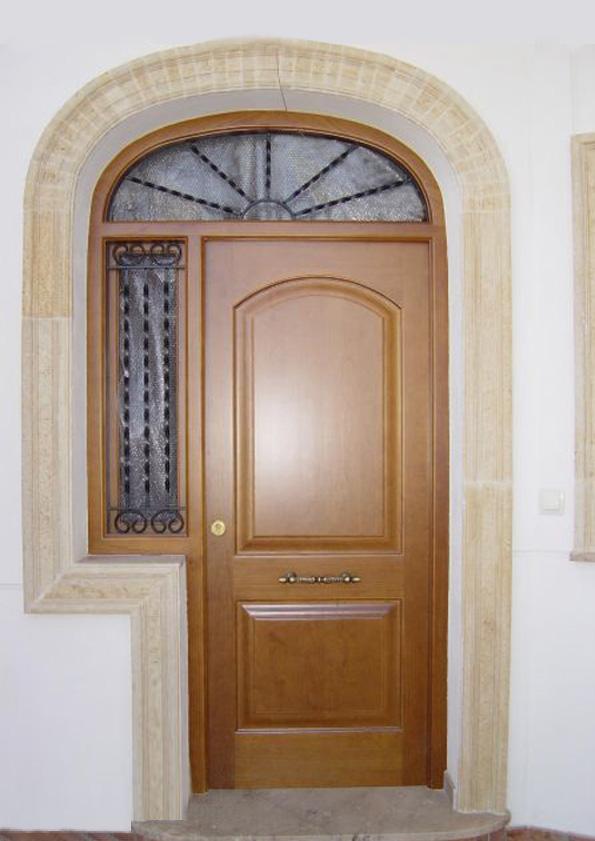 Puertas De Entrada Hechas En Madera Carpinteria Fusta