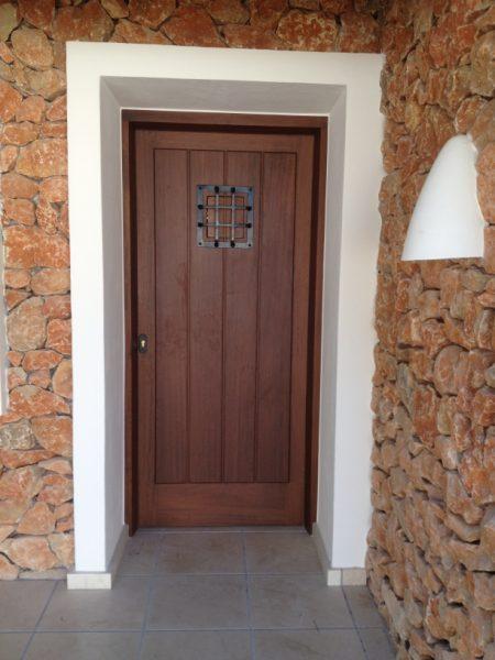 Puertas de entrada carpinteria fusta for Puertas para entrada