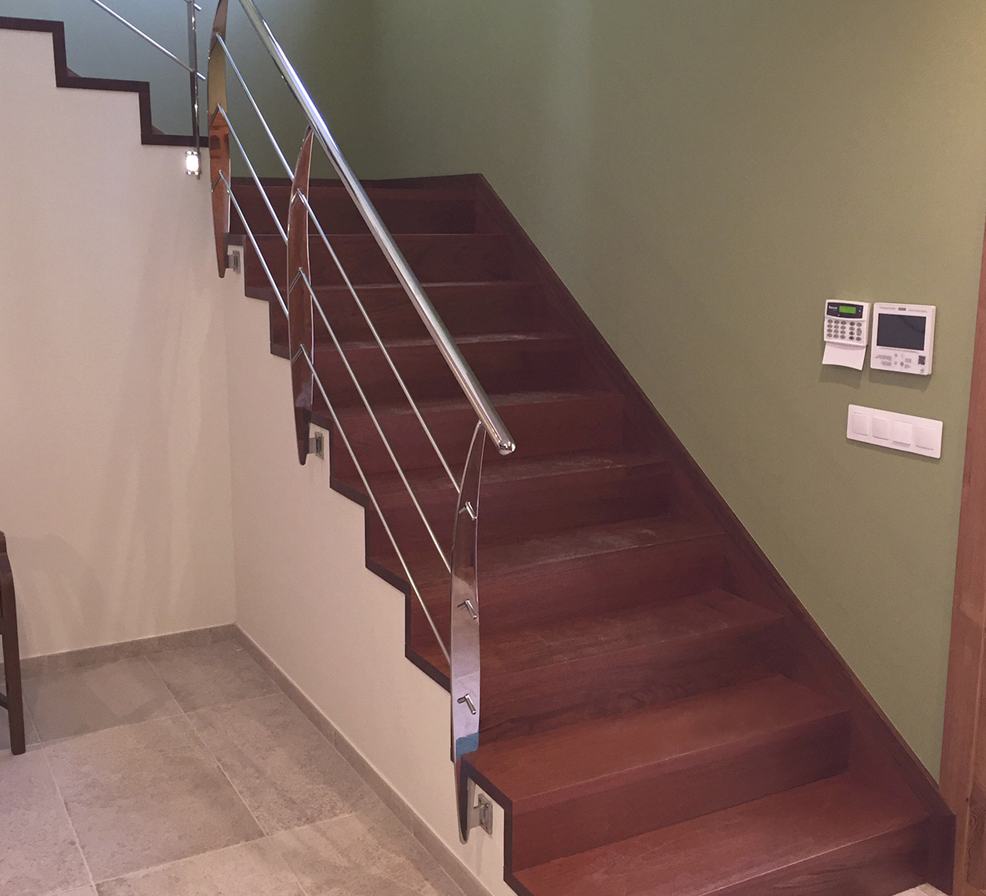 Productos escaleras carpinteria fusta for Formas de escaleras